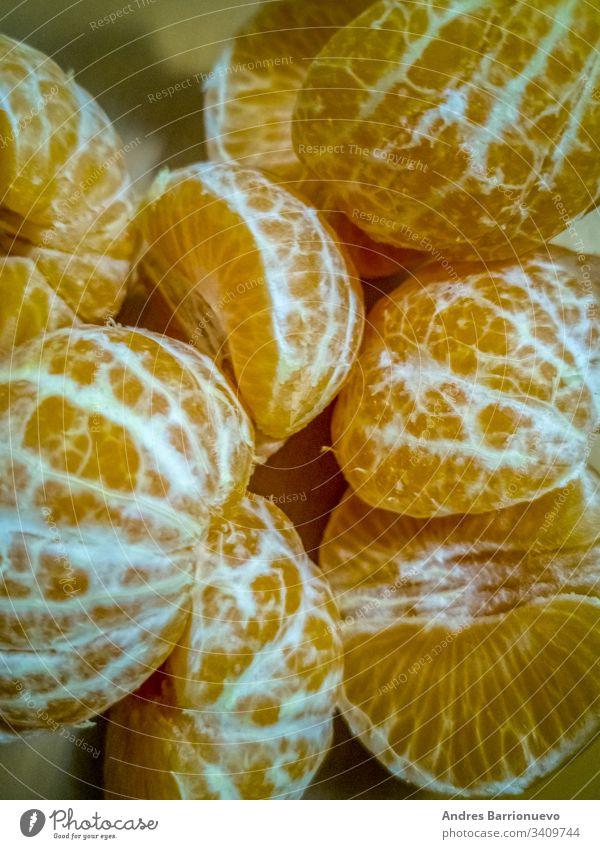 Ansicht von kleinen geschälten Orangen Lebensmittel natürlich lecker frisch Frucht Gesundheit süß Ernährung Mandarine grün Mandarinen Orangenhaufen klein orange