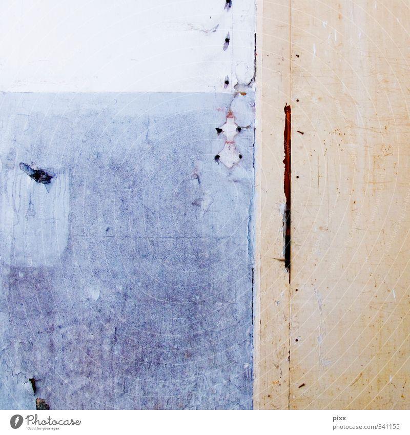 Narben Renovieren Umzug (Wohnungswechsel) Handwerker Baustelle Feierabend Baumaschine Fabrik Fassade Stein Beton bauen blau rosa weiß stagnierend Stadt Verfall