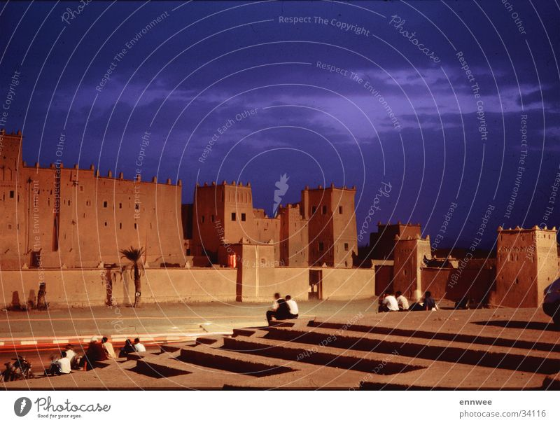 Kasbah Tinehirt - Ouarzazate Medina Marokko Afrika Moral Abend Architektur