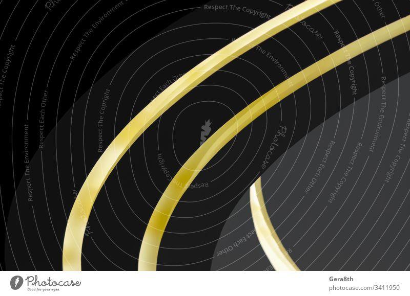 Teil eines modernen Gebäudes mit Beleuchtung abstrakt Architektur Hintergrund Wegbiegung schwarz blanko Farbe farbig Kurve dunkel Dekor dekorativ Design Element