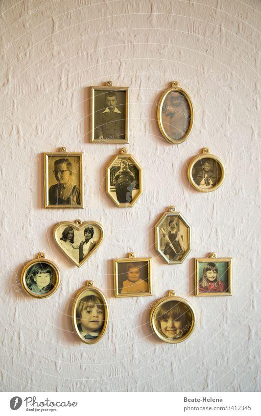 Familiengeschichten Fotos Erinnerung Kindheit Stammbaum Familie & Verwandtschaft Fotografie Nostalgie analog früher Familienalbum Vergänglichkeit sentimental