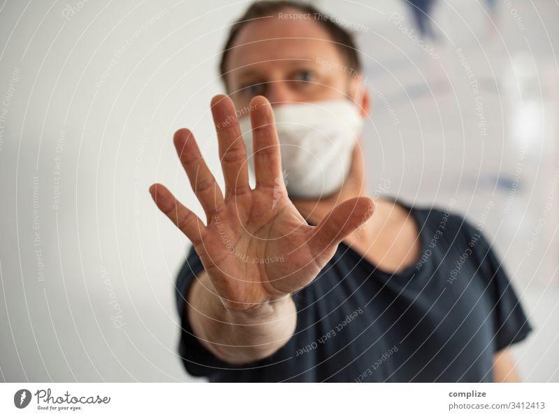 Pandemie-Panik coronavirus covid-19 screen pc Computer arzt information Cursor Maus viren ansteckung Infektion epedemie seuche Medizin pandemie Bildschirm angst