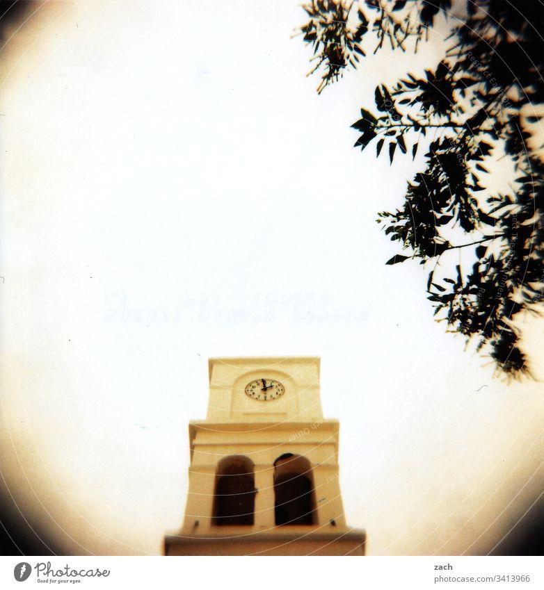 Teil einer orthodoxen Kapelle in Griechenland, analog Unschärfe Textfreiraum oben Menschenleer Holga Außenaufnahme Lomografie Gedeckte Farben bleich alt