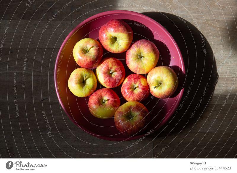 Äpfel Apfel obst Bioprodukte Herbst ernte Vegetarische Ernährung Frucht Gesundheit Farbfoto Lebensmittel frisch Gesunde Ernährung lecker Schale Achtsamkeit