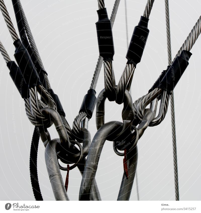 Seilschaft | Sicherheitsversprechen ballon seile kraft sichern sicherheit ordnung schutz struktur konzentration halten bändigen helium haken ösen Drahtseil