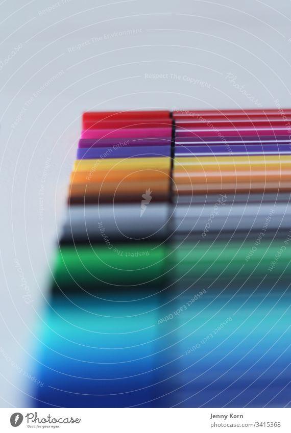 Schön Bunt Stifte bunt unscharf mehrfarbig Farbfoto Farbe Unschärfe blau rot farbenfroh grün