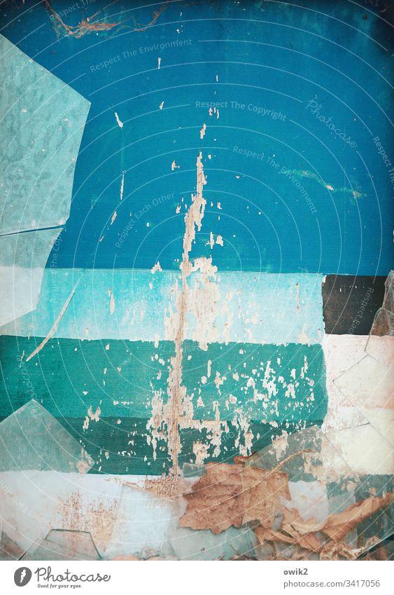 Verscherbelt blau türkis Vergänglichkeit verfallen Nahaufnahme Menschenleer Strukturen & Formen Detailaufnahme Außenaufnahme abblättern Zahn der Zeit abstrakt