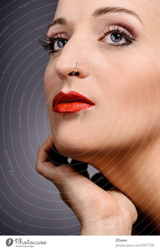 Beauty II elegant Stil schön Schminke Lippenstift feminin Junge Frau Jugendliche Mund 18-30 Jahre Erwachsene Piercing ästhetisch Erotik Sauberkeit Hochmut rein