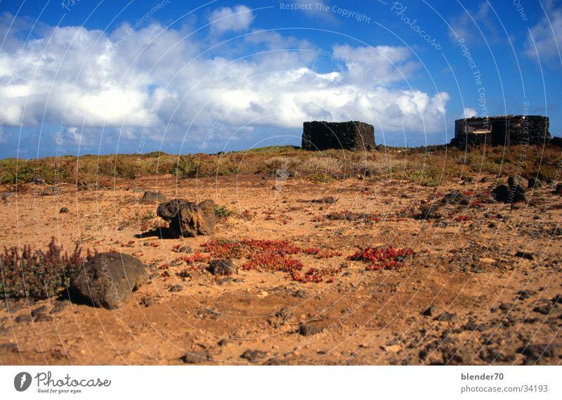 Sommerhaus Ruine Wolken Dürre Fuerteventura Kanaren Ferien & Urlaub & Reisen Steinhütte Blauer Himmel Wüste