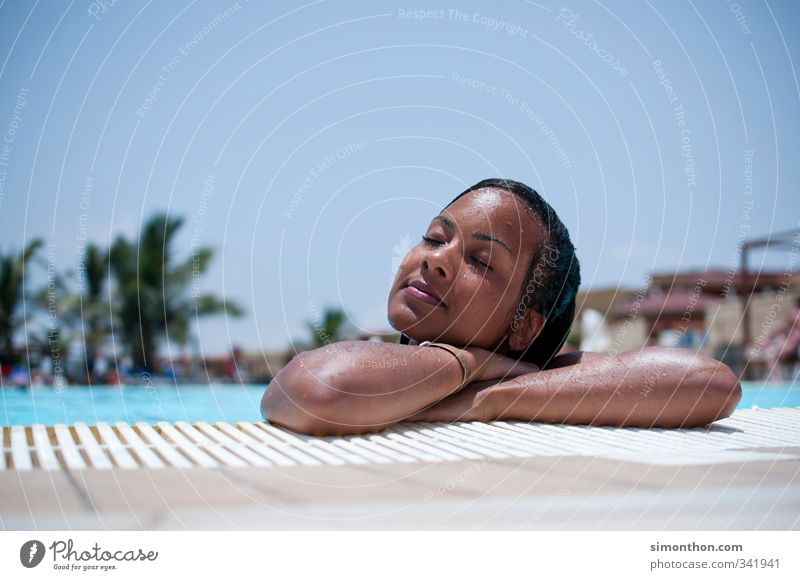 Relax Mensch Jugendliche Ferien & Urlaub & Reisen schön Sommer Sonne Meer Erholung ruhig Strand Erwachsene Leben feminin 18-30 Jahre Glück Schwimmen & Baden