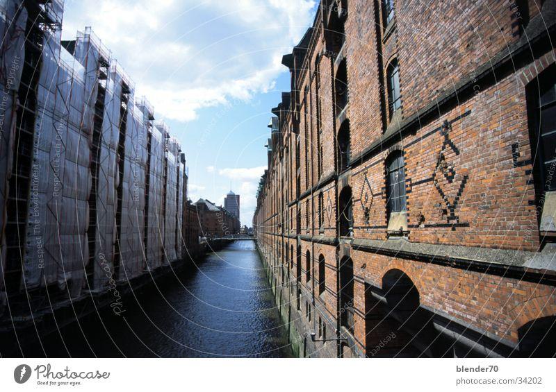 Hamburg Speicherstadt Backstein Alte Speicherstadt Anlegestelle Architektur Wasser Fluss Abwasserkanal