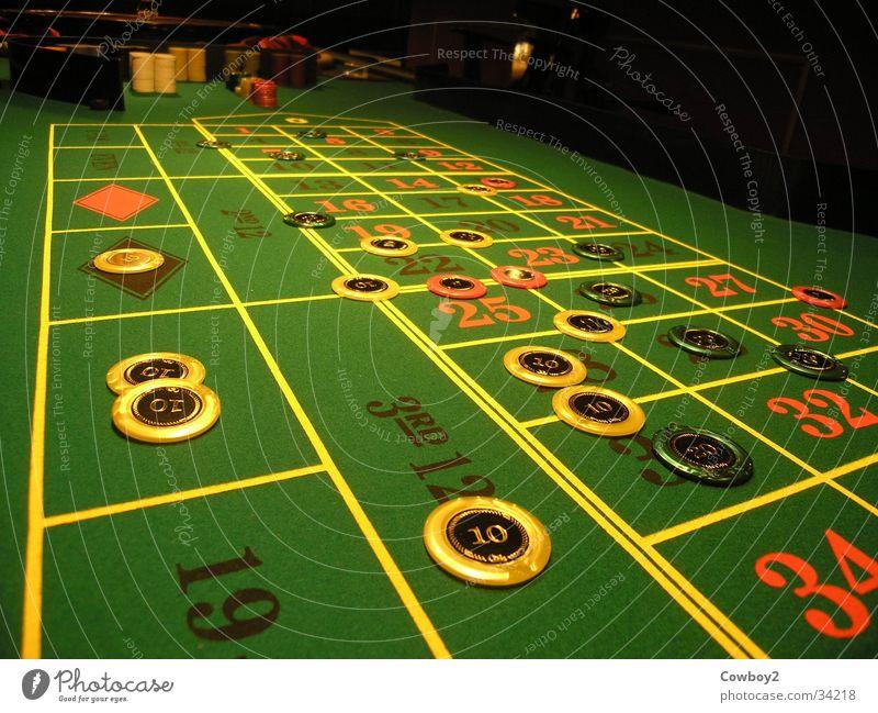 ihre einsätze bitte Freizeit & Hobby Geld Ziffern & Zahlen Glücksspiel Spielkasino Einsatz Roulette Jeton