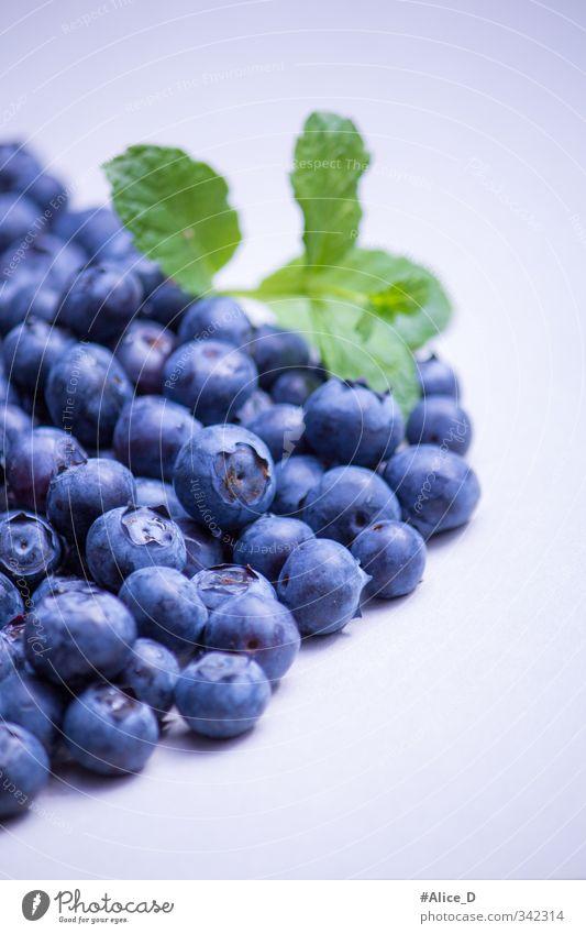 Heidelbeeren Lebensmittel Frucht Dessert gesund Ernährung Frühstück Diät Gesunde Ernährung Essen blau violett Farbfoto Innenaufnahme Nahaufnahme