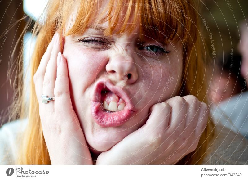 Cheeeeeese! Mensch Frau Jugendliche Freude Junge Frau Gesicht Erwachsene Liebe feminin 18-30 Jahre lustig Freundschaft Zusammensein Mund einzigartig Verliebtheit