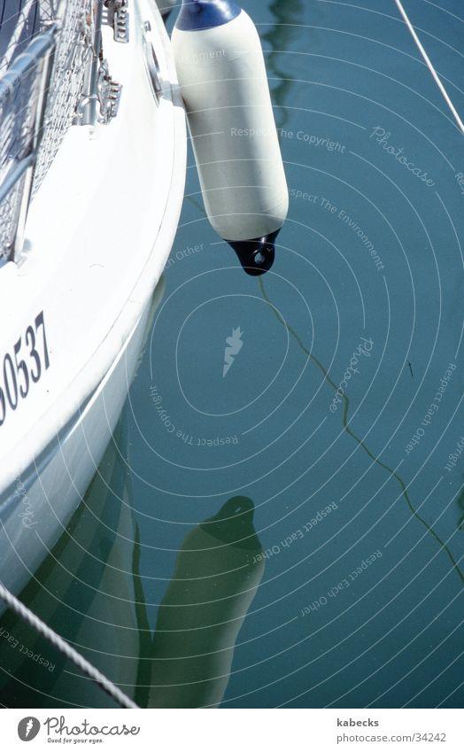 Spiegelbild Boie Wasserfahrzeug Schifffahrt Segel Hafen