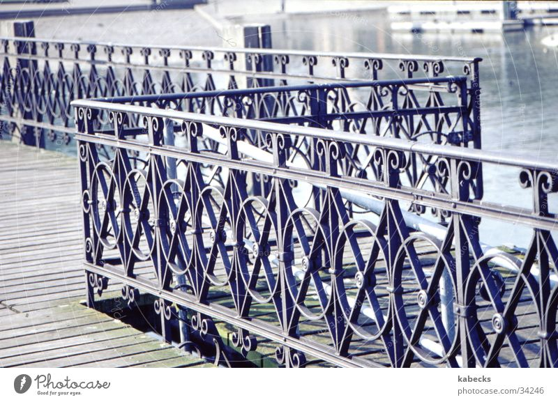 Brücken-Ziergeländer Wasser See Stahl Steg Geländer Zierde