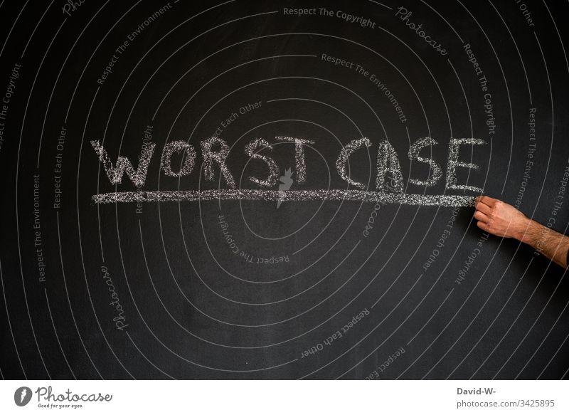 Coronavirus Worst Case Wörter Tafel unterstrichen worst case Quarantäne ausgangssperre karantäne Vorsichtsmaßnahme hinweisen Verbot Hand Virus Wort Infektion