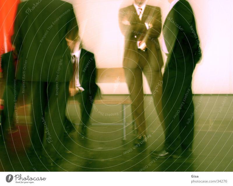 Meeting Mann Bewegung Anzug Ladengeschäft Unternehmen Menschengruppe Arbeit & Erwerbstätigkeit sprechen Business Geschäftsmann