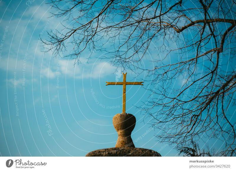 Katholische Kapelle mit Kreuz Religion & Glaube religion. katholisch Fränkische Schweiz Oberfranken Bayern Pottenstein