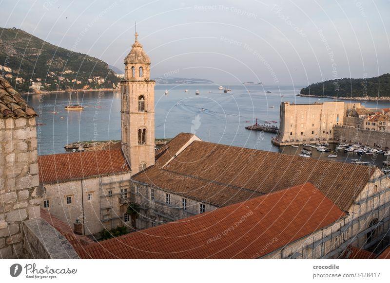 Dubrovnik Altstadt Dominikanerkloster Kroatien Tourismus Stadt Mauer Festung Basketball Meer Küste Weltkulturerbe Kloster Hafen Schiffe Adria