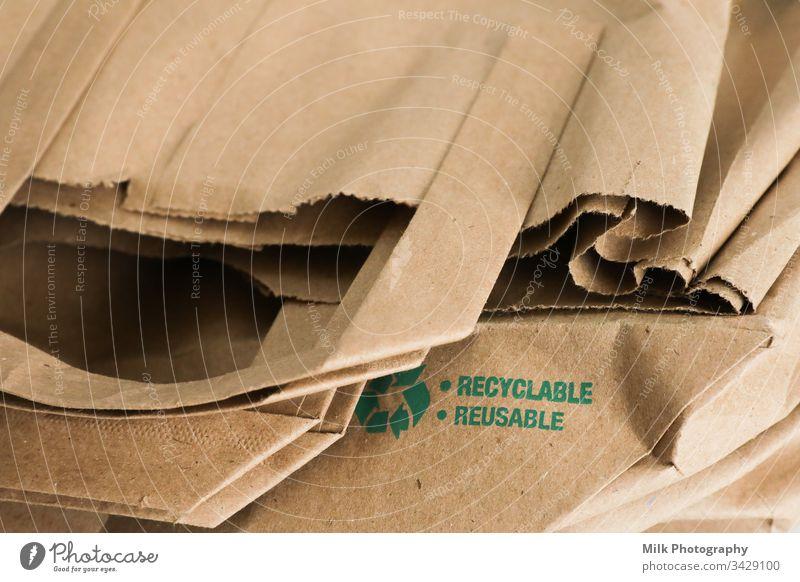 Wiederverwendbare und recycelbare Papiertüte Nahaufnahme Imbissbude Single Sale Sack Einzelhandel Recycling wiederverwerten Kauf offen Merchandise Einwegartikel