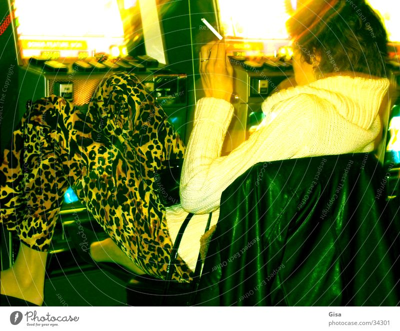 Endstation Spielcasino Frau Erholung Spielen Glück Suche Erfolg Konzentration Spielkasino Automat