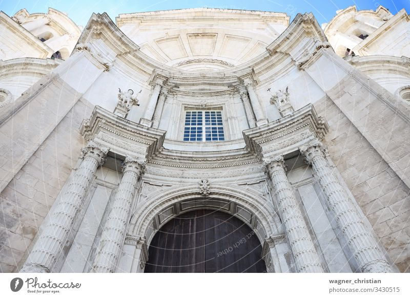 Kathedrale von Cádiz Cadiz Kirche Außenseite Eingang Tür Turm Barock Santa Cruz Spanien Andalusia Europa mittelalterlich Architektur reisen Dom Wahrzeichen