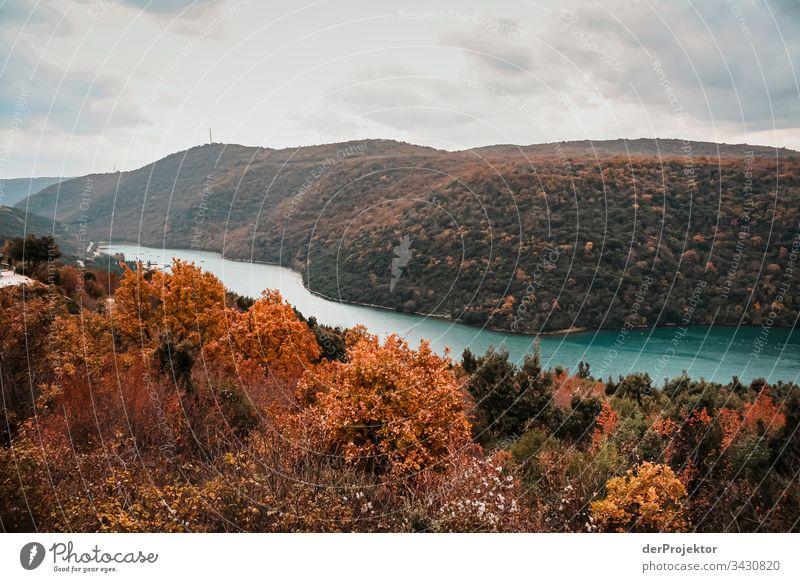 Fluss in Istrien Weitwinkel Panorama (Aussicht) Totale Reflexion & Spiegelung Textfreiraum Mitte Textfreiraum unten Textfreiraum rechts Textfreiraum oben