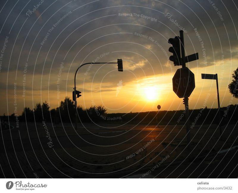 Kreuzung Ampel Sonnenuntergang Wolken Mischung