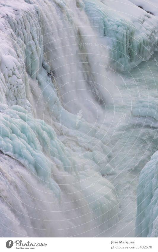 Eis- und Schneewasserfälle in Island Fluss Wasserfall kalt Winter Natur weiß Hintergrund reisen Tourismus Schönheit Außenaufnahme Ferien & Urlaub & Reisen