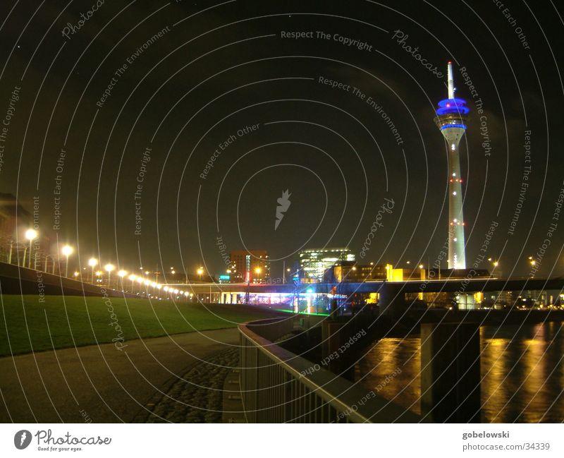 Düsseldorf Skyline Nacht Architektur Fernsehturm Stadt