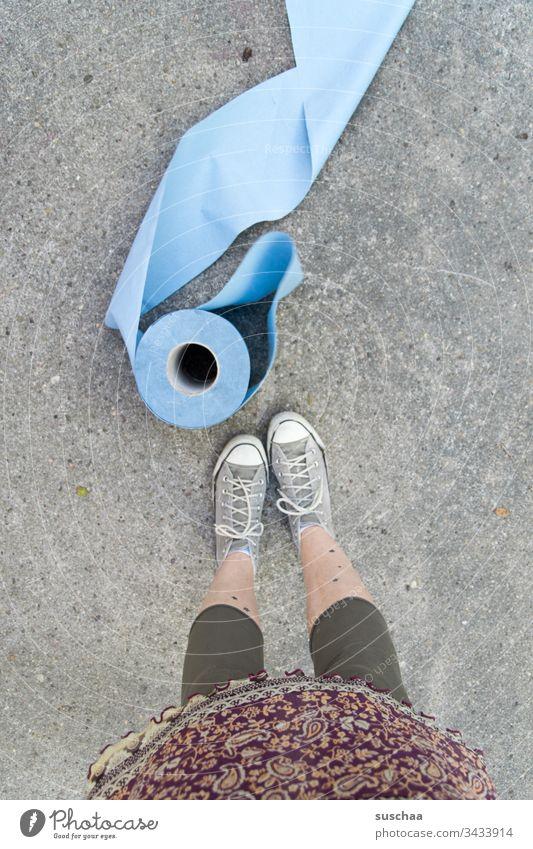putztuchrollen bei mangel an klopapier Putztuchrolle Heimwerker Handwerker Rolle Papier Mangel Klopapier Toilettenpapier Sauberkeit Coronavirus Ersatz