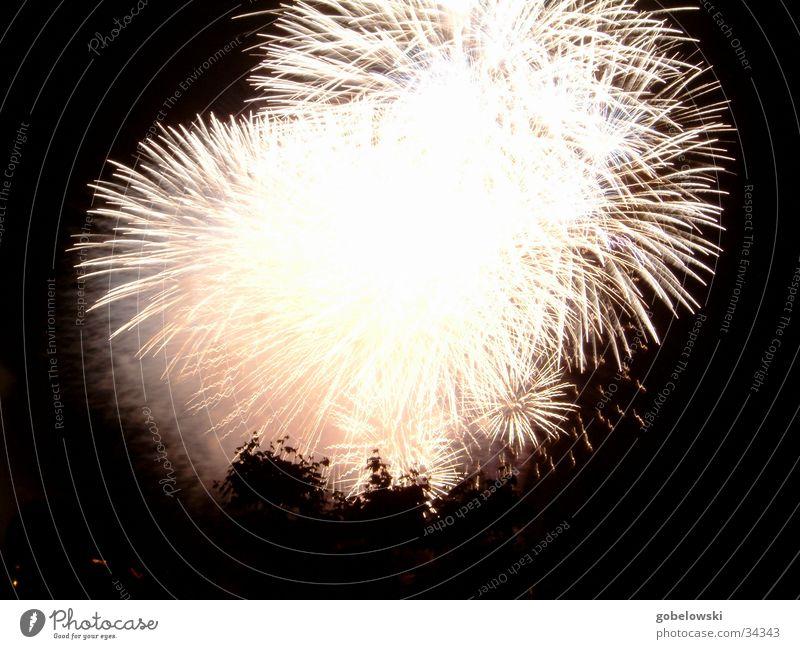jap. Feuerwerk 4 Brand Freizeit & Hobby Feuerwerk Düsseldorf Funken