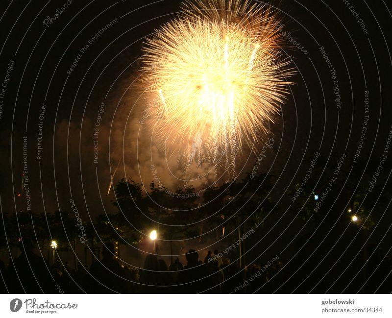 jap Feuerwerk 3 Nacht Freizeit & Hobby Brand Funken Düsseldorf jap. Feuerwerk