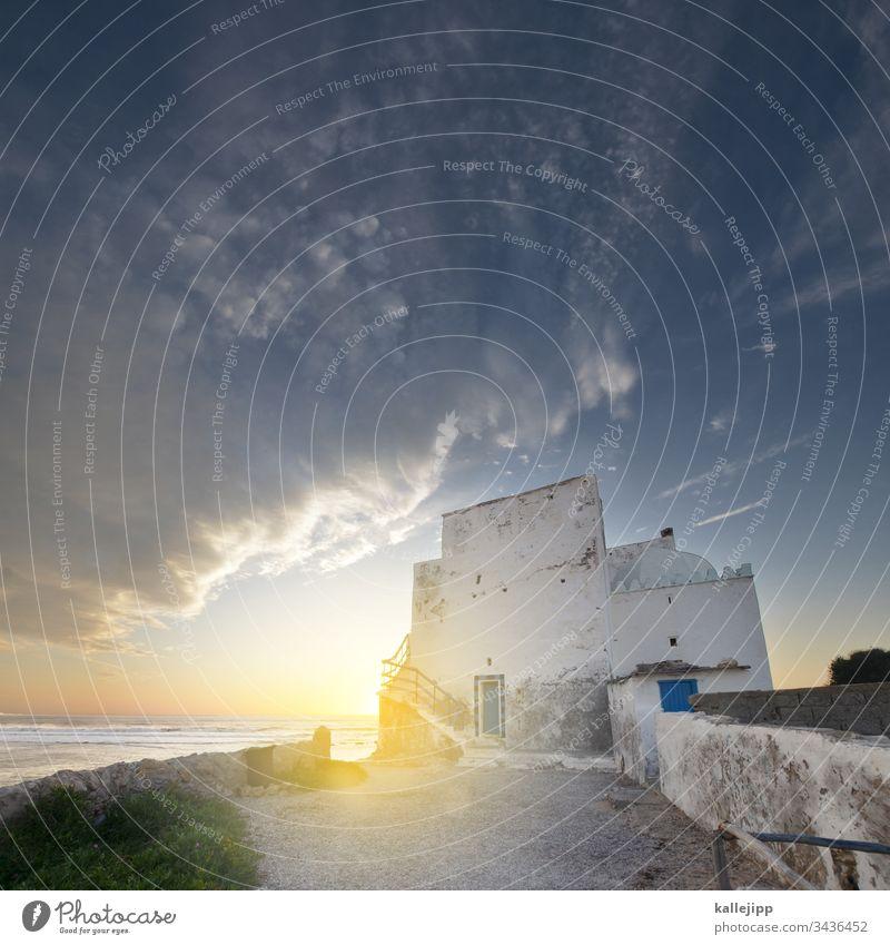 sidi kaouki Eingang Treppe Aufgang Torbogen Strand Küste Marokko Sidi Kaouki Urlaubsstimmung sonnenuntergang Atlantik Wellen Horizont Architektur Fischerdorf