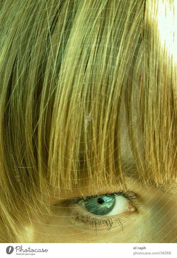 Blick_2 Frau Auge Ferne Haare & Frisuren beobachten