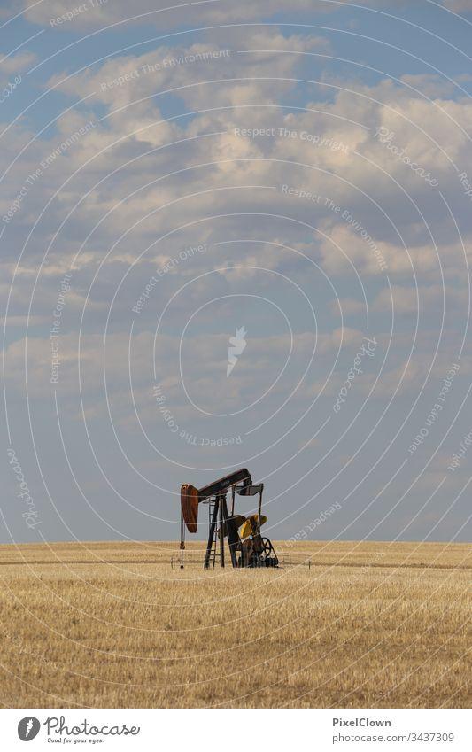 Badlands in Alberta Kanada Panorama (Aussicht) Landschaft Sommer Himmel Bohranlage, Erdöl, Alberta, Weite, Prärie