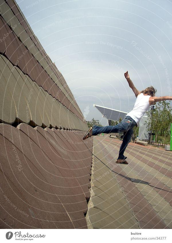 versuch(t) zu fliegen Mann Bewegung springen laufen Geschwindigkeit Barcelona Hongkong Asien China Spanien Forum