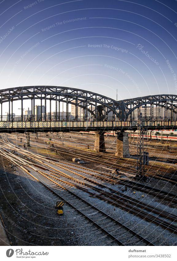 München, Hackerbrücke, Gleise, Sonnenuntergang Stadt Architektur urban geometrisch Außenaufnahme abstrakt modern Großstadt Muster Strukturen & Formen Oberfläche