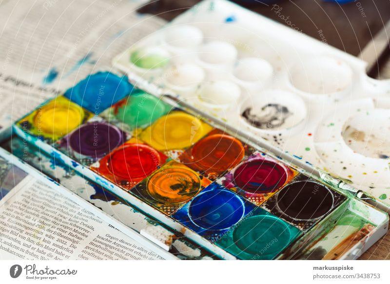 Wasserfarben Malkasten malen zeichnen kreativ Kreativität Kunsterziehung bunt