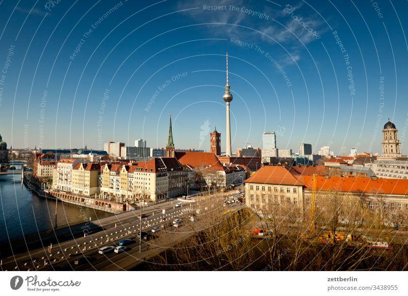 Zentrum Ostberlin außen deutschland ferne frühjahr frühling hauptstadt haus horizont innenstdt licht nikolaiviertel panorama schatten skyline sonne urban