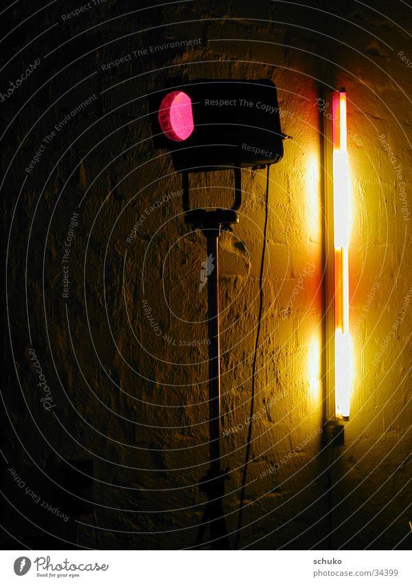 Studio Spot Lampe Werkstatt Bühnenbeleuchtung Mauer Neonlicht rosa Elektrisches Gerät Technik & Technologie
