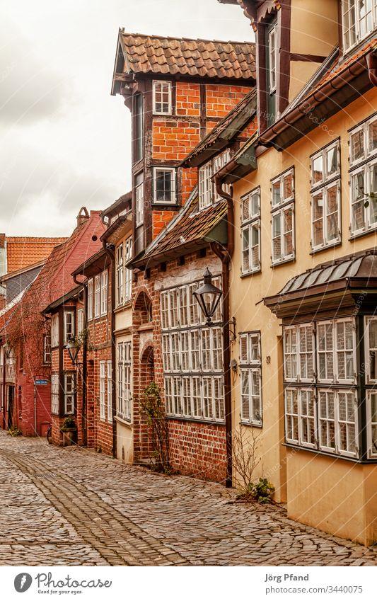Strasse in Lüneburger Altstadt Deutschland Niedersachsen Häuser Kopfsteinpflaster historisch