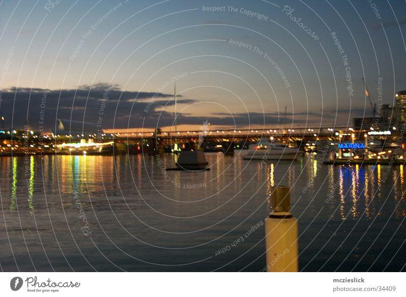 Darling Habour Sonnenuntergang Sydney Australien Steg Wasserfahrzeug Romantik ruhig Gefühle Dämmerung Hafen Abend silence evenening boat habour
