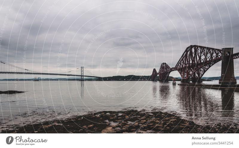 Zwei Brücken die zusammen laufen Schottland Edinburgh Berge u. Gebirge Menschenleer Farbfoto Highlands Tag Großbritannien Ferien & Urlaub & Reisen Europa
