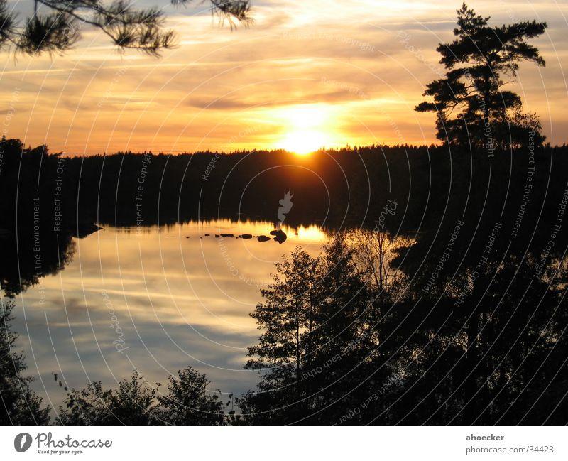 Sonnenuntergang Wasser gelb See Stimmung Schweden