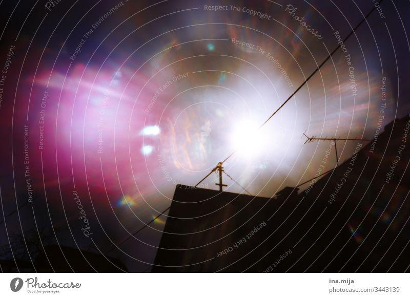 Blick aus dem Fenster Fensterblick Himmel Sonne Sonnenstrahlen Reflexion & Spiegelung Sonnenlicht UV-Strahlung magisch Magie Himmelreich Licht Lichtquelle