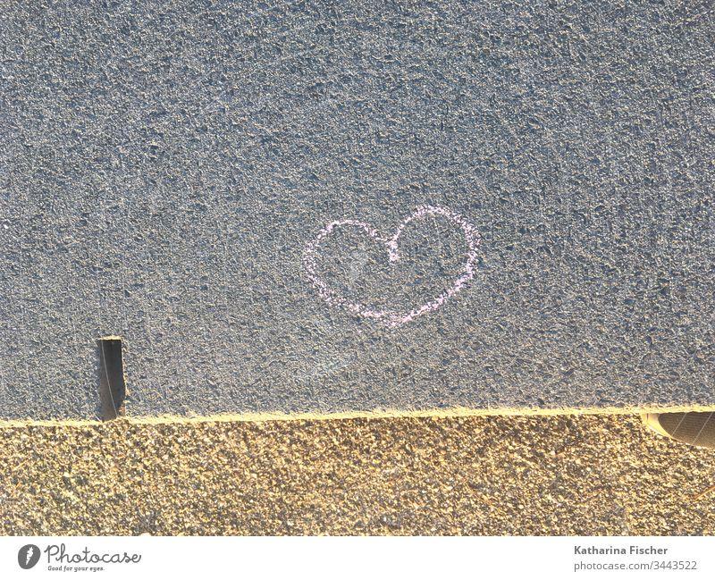 Herz herzlich herzförmig Graffiti Wand Symbole & Metaphern rosa Kreidezeichnung Farbfoto Liebe Romantik Außenaufnahme Menschenleer rot Zeichen Gefühle Tag Mauer