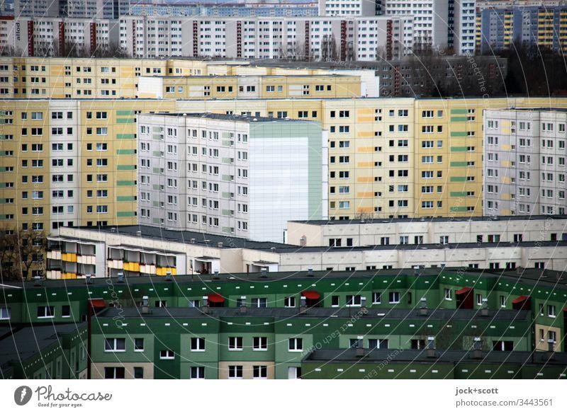 ein schönes wohnen in der Box Panorama (Aussicht) abstrakt komplex viele trist hässlich groß eckig Plattenbau Fassade modern authentisch Stimmung Wohnhochhaus