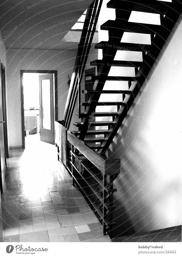 Treppenhaus Licht Architektur Lichterscheinung Schatten Kontrast Fliesen u. Kacheln
